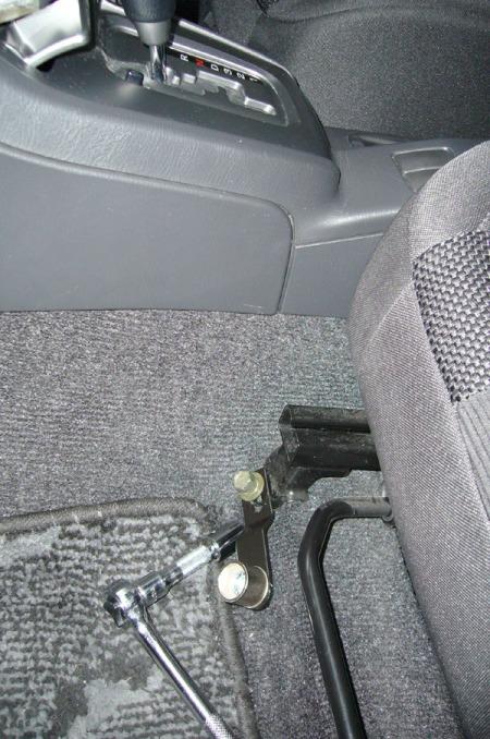ในบางมุมของตัวรถก็สามารถติดตั้งได้โดยใช้แบร็คเก๊ตแบบที่2
